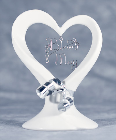 heart-shaped cake topper.